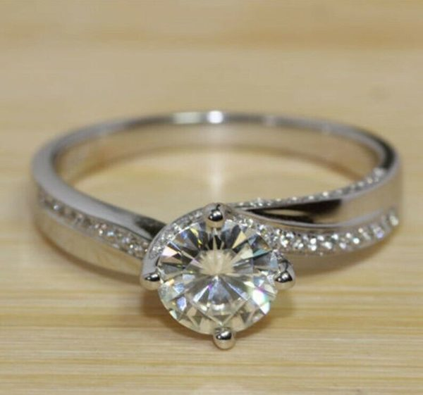 1.15Ct Round White Moissanite Solitaire Engagement Ring 925 Sterling Silver
